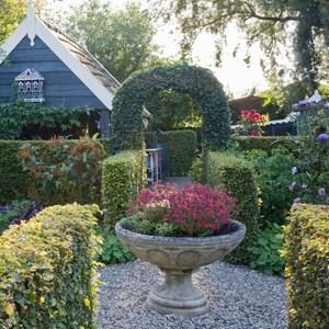 Country Style Garden Ideas