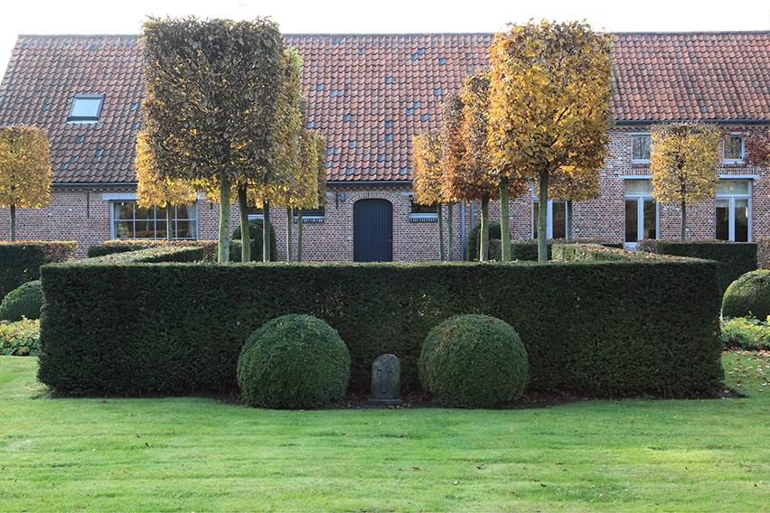 00570770-Taxus-estate-country-formal-modern-European-min
