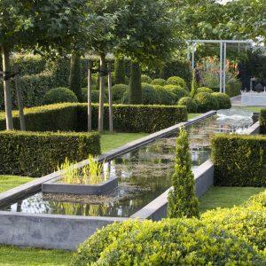 21321-Taxus-hicksii-yew-hedge-border-pond-water-formal-garden-estate-modern-contemporary-landscape