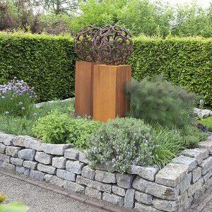 52199-Carpinus-hornbeam-hedge-contemporary-modern-InstantHedge-garden-design-art-sculpture