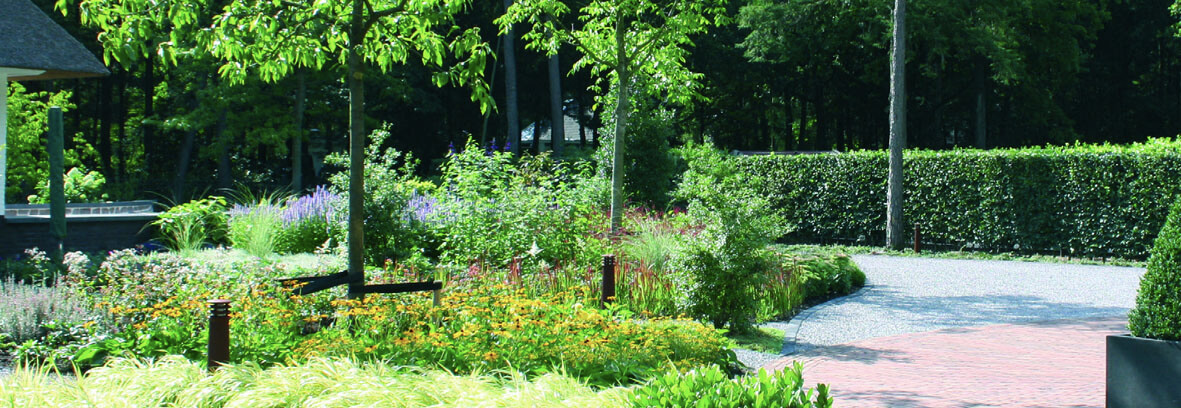 Company Garden Style