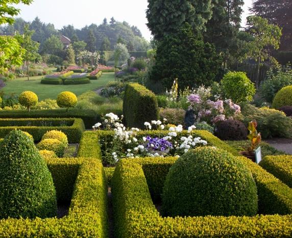 country garden design and ideas for small gardens